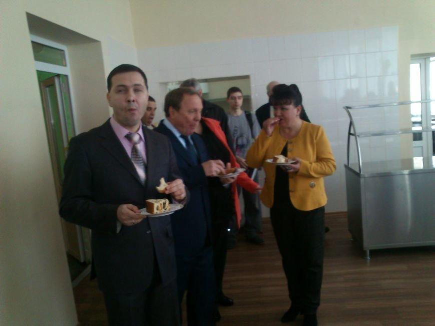 В Днепродзержинской школе №34 торжественно открыли новый пищеблок, фото-6