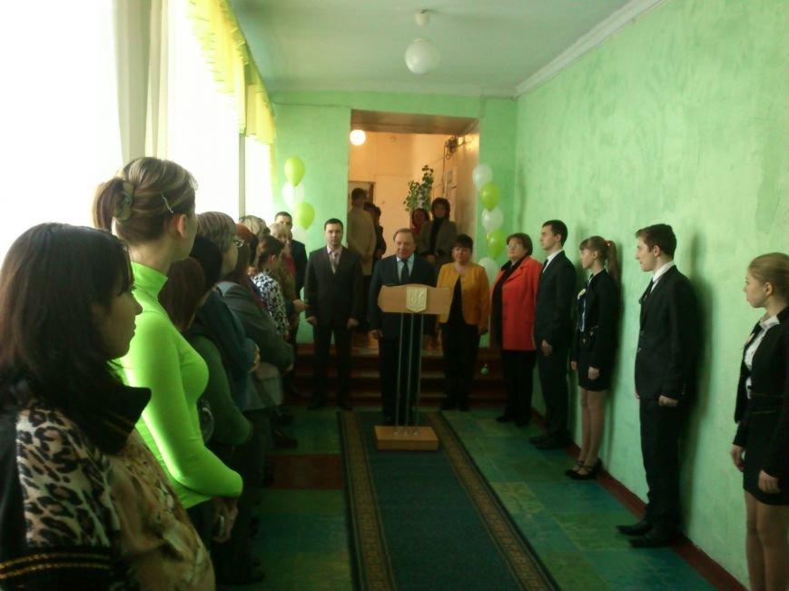 В Днепродзержинской школе №34 торжественно открыли новый пищеблок, фото-1