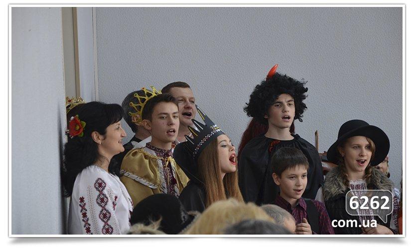 Славянские школьники поставили Вертеп для чиновников и солдат. (фото) - фото 3