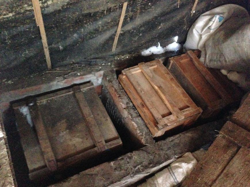 В Артемовске правоохранители задержали мужчину, хранившего у себя 3 ящика конопли, фото-1