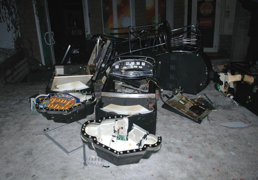 В Запорожье Самооборона разгромила ещё два зала игровых автоматов (ФОТО), фото-4