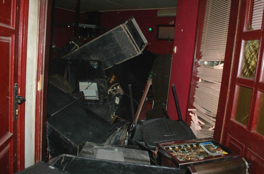 В Запорожье Самооборона разгромила ещё два зала игровых автоматов (ФОТО), фото-1