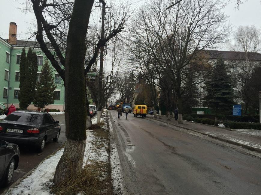 У Тернополі на вулиці Чехова стався витік газу – дорога перекрита (фото) (фото) - фото 3