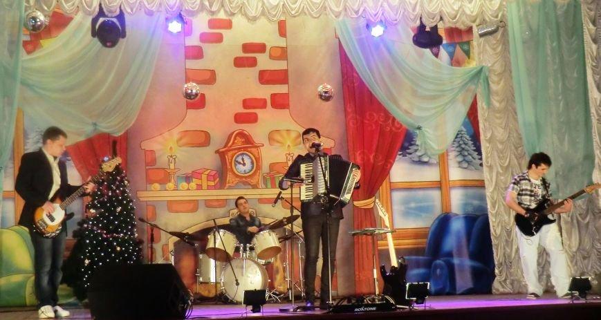 Праздничный концерт «Здравствуй старый Новый год» г. Белицкое (фото) (фото) - фото 4