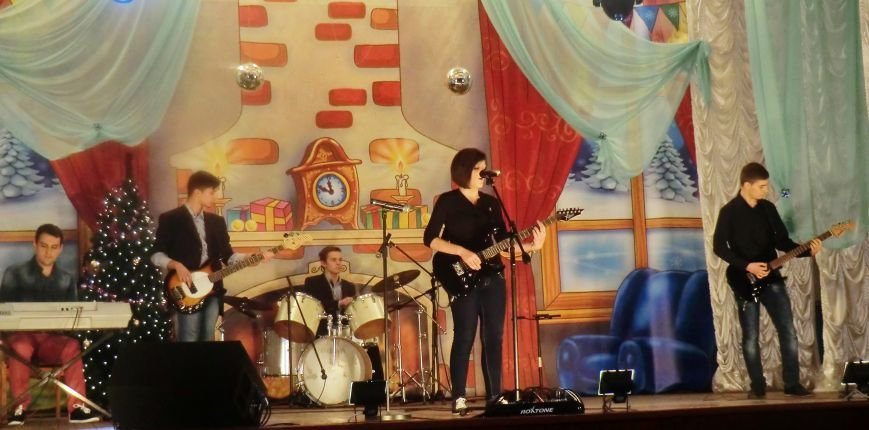 Праздничный концерт «Здравствуй старый Новый год» г. Белицкое (фото) (фото) - фото 3