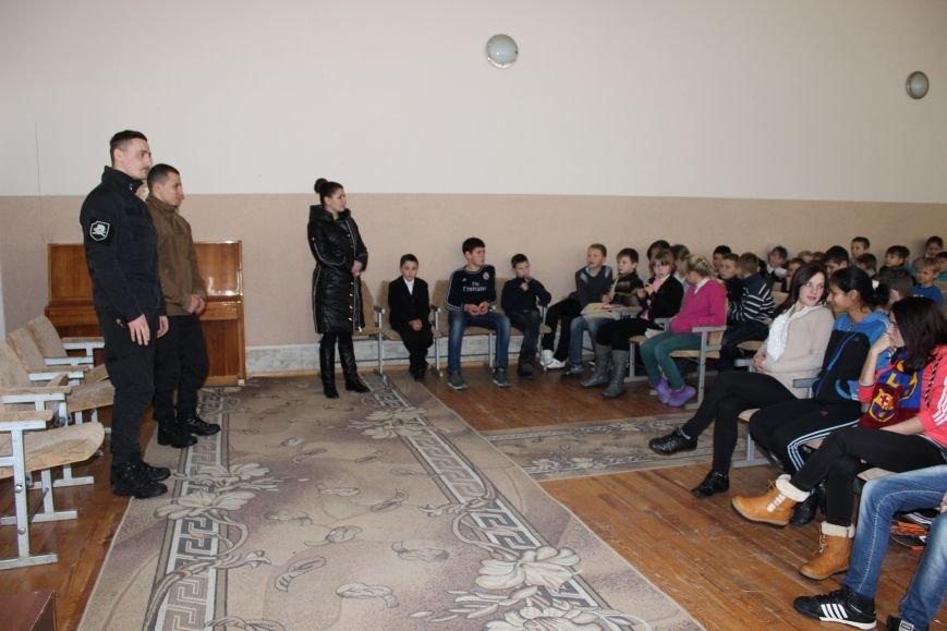 Бойцы батальона «АЗОВ» посетили николаевскую школу-интернат №5 (ФОТО), фото-1