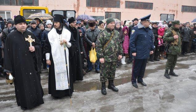 Зведений загін тернопільських міліціонерів протягом місяця патрулюватиме в зоні АТО (ФОТО) (фото) - фото 2