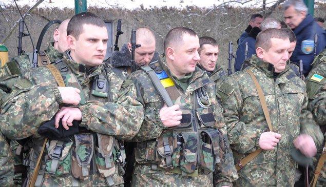 Зведений загін тернопільських міліціонерів протягом місяця патрулюватиме в зоні АТО (ФОТО) (фото) - фото 1