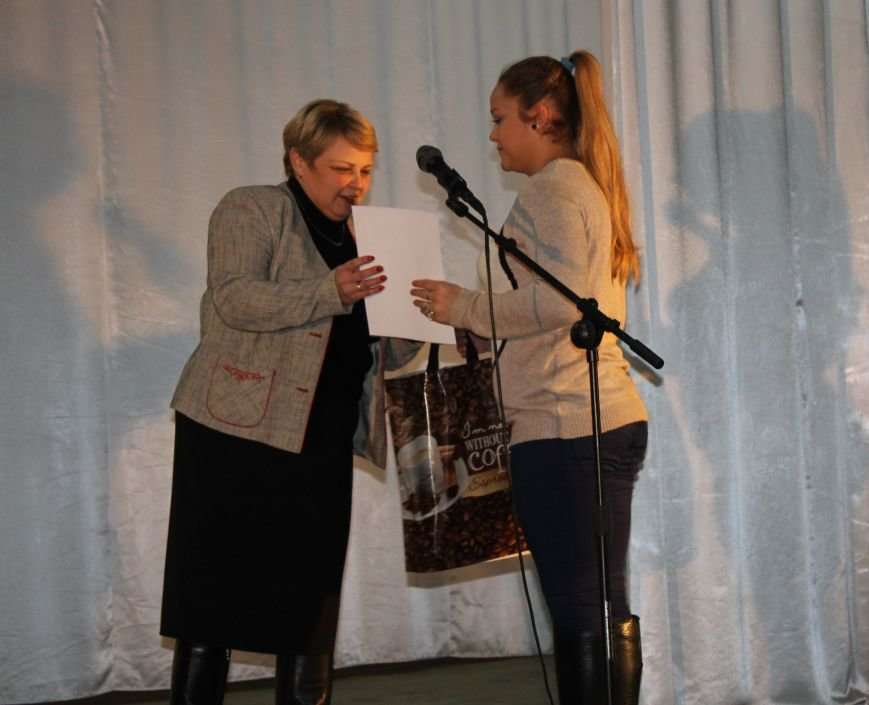 В Красноармейске в Центре творчества и досуга прошло награждение победителей конкурса «Таланты твои, Украина!», фото-7