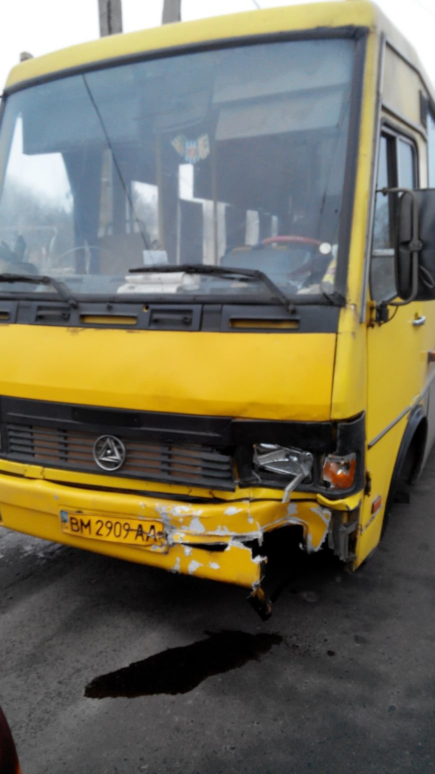 В Сумах тройное ДТП: столкнулись легковушка, троллейбус и маршрутка (ФОТО) (фото) - фото 1