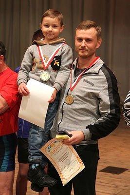 Макеевка бьет мировые рекорды: в городе состоялся турнир по гиревому спорту (фото) - фото 2