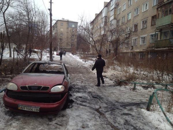В Донецке в результате страшного артобстрела разрушены десятки домов, есть раненые (ФОТО), фото-2