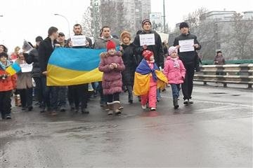 В Ужгороді пройшов марш миру (ФОТО) (фото) - фото 7