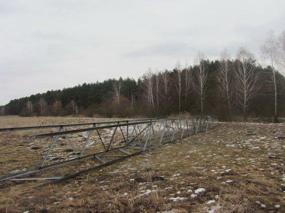 В Черниговской области на металлолом едва не ушла электроопора ценою в миллион (фото) - фото 1