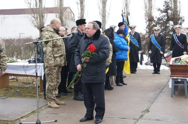 Николаевщина провела в последний путь командира «морских котиков» (ФОТО) (фото) - фото 3