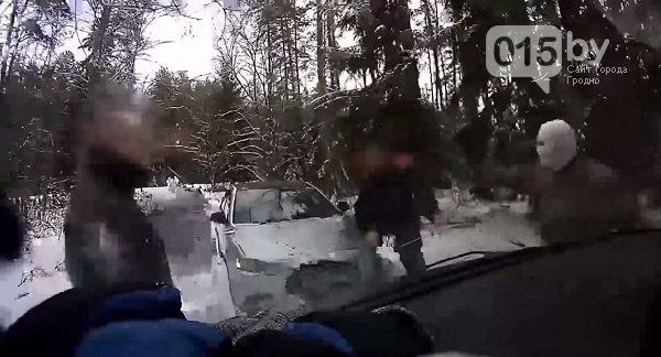 В Гродненской области приграничный спецназ задержал преступную группировку, которая переправляла нелегалов в ЕС (Фото, видео) (фото) - фото 1
