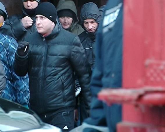 Милиция Днепропетровщины продолжает разыскивать лиц участвовавших в избиении мирных демонстрантов (фото) - фото 2
