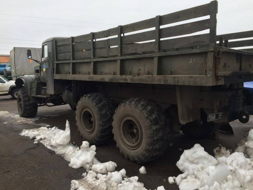 Николаевские волонтеры передали воинам АТО восстановленный «КрАЗ» (ФОТО), фото-1
