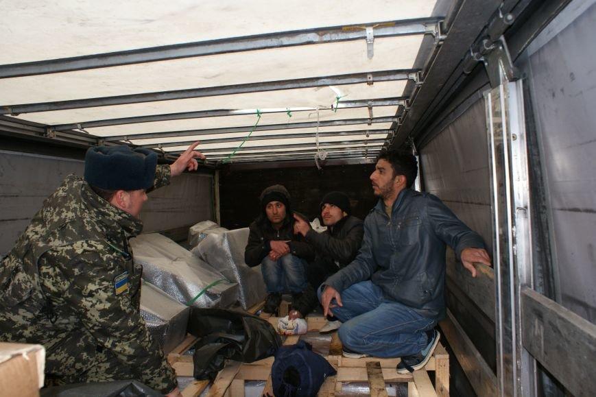 На румунському кордоні буковинські прикордонники виявили нелегалів (фото) - фото 1