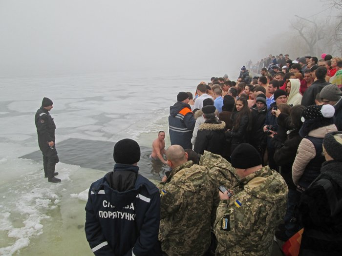 В праздник Крещения Господнего николаевцы окунулись в прорубь (ФОТО), фото-5