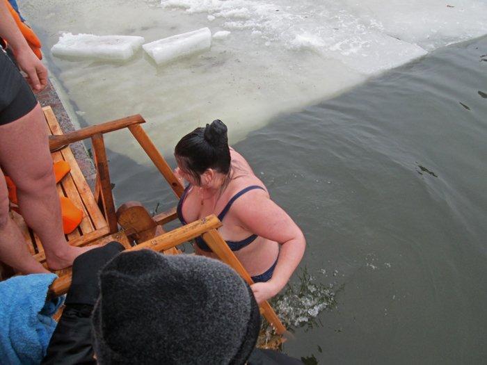 В праздник Крещения Господнего николаевцы окунулись в прорубь (ФОТО), фото-9