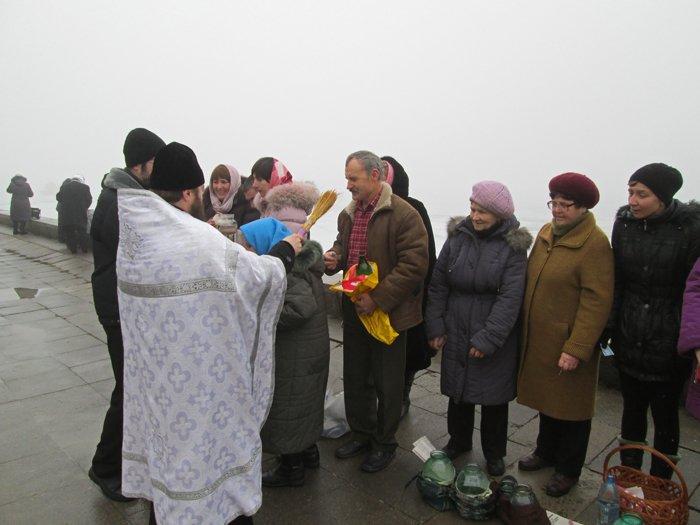В праздник Крещения Господнего николаевцы окунулись в прорубь (ФОТО), фото-2