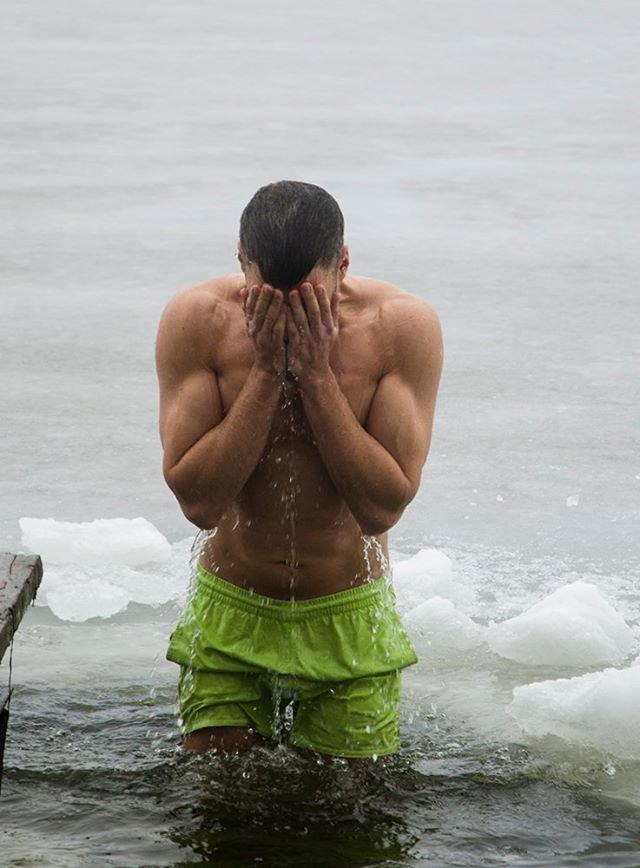 В праздник Крещения Господнего николаевцы окунулись в прорубь (ФОТО), фото-17