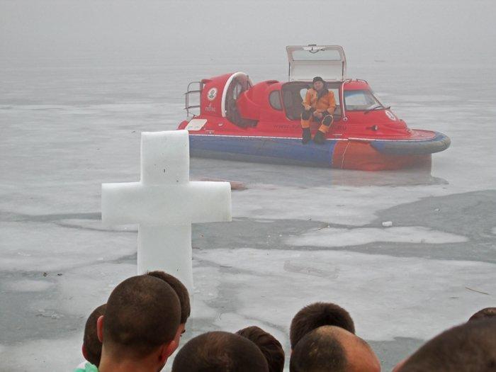 В праздник Крещения Господнего николаевцы окунулись в прорубь (ФОТО), фото-4