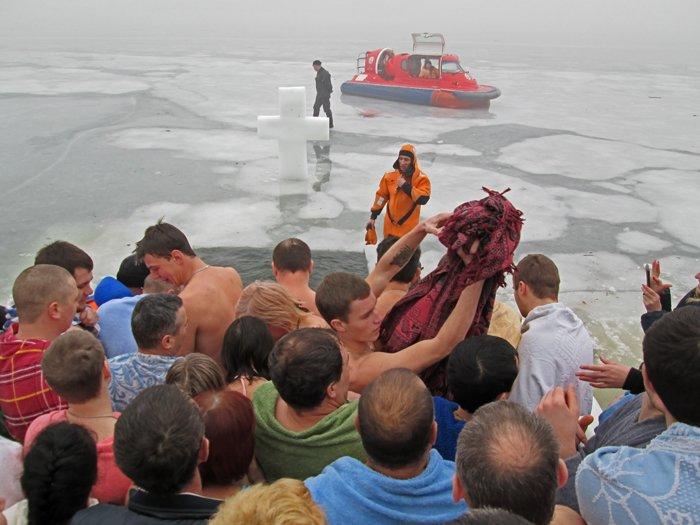 В праздник Крещения Господнего николаевцы окунулись в прорубь (ФОТО), фото-7