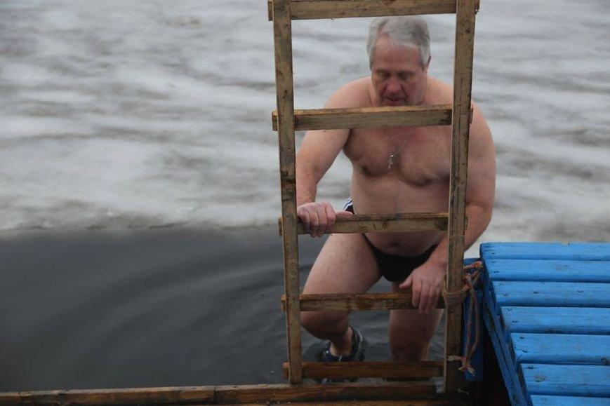 В праздник Крещения Господнего николаевцы окунулись в прорубь (ФОТО) (фото) - фото 14