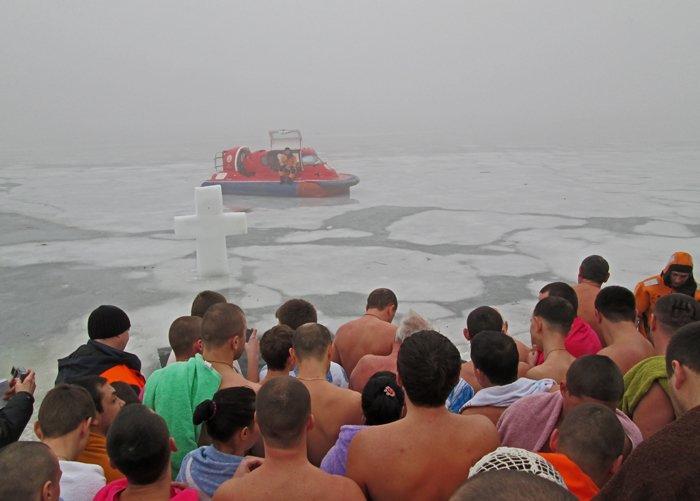 В праздник Крещения Господнего николаевцы окунулись в прорубь (ФОТО), фото-3