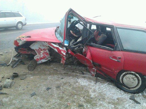 На дороге «Гродно - Волковыск - Барановичи» столкнулось две легковушки: 3 человека госпитализированы (фото) - фото 3