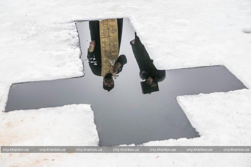 На Северском Донце впервые освятили воду, которая поступает в дома харьковчан (ФОТО) (фото) - фото 1
