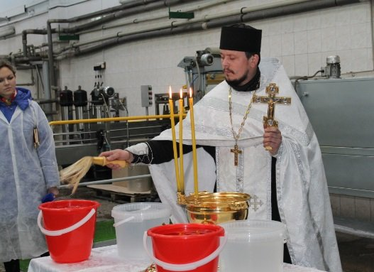Крещение в Свято-Покровском храме с. Боевое собрало тысячи верующих Приазовья (фото) - фото 3