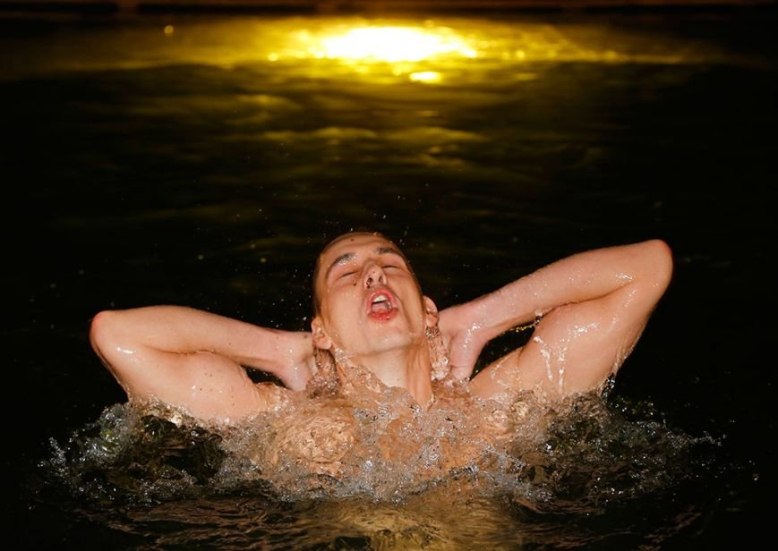 Русский дух. Фото крещенских купаний (фото) - фото 1