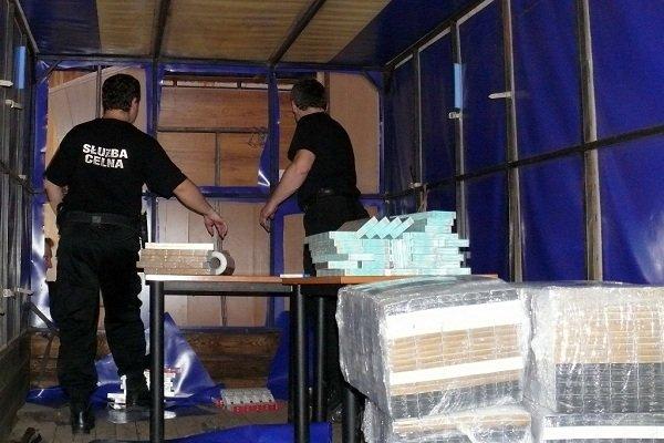 В Кузнице задержали белоруса с самой большой партией сигарет (Фото) (фото) - фото 3
