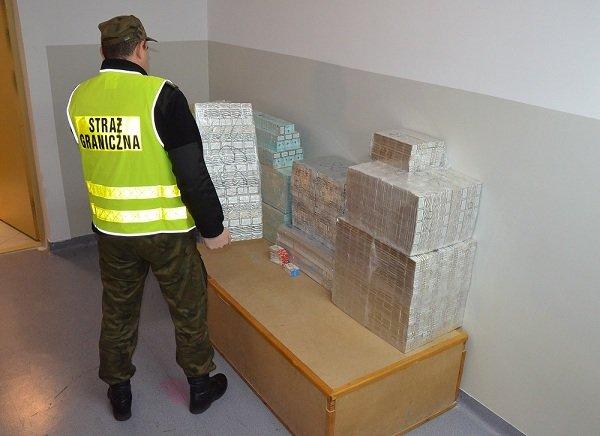 В Берестовице белорус спрятал 6500 сигарет в автомобильных сидениях (Фото) (фото) - фото 1
