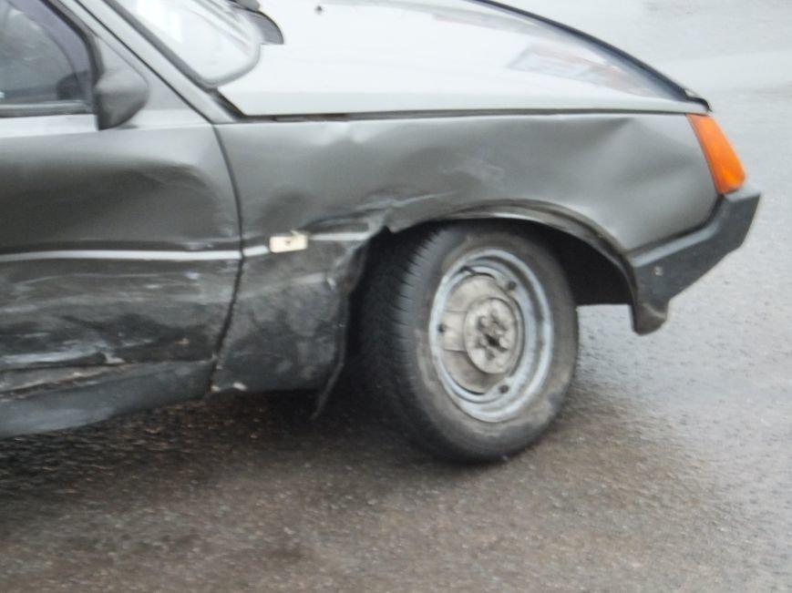 В Кировограде столкнулись две легковушки. Фото (фото) - фото 1