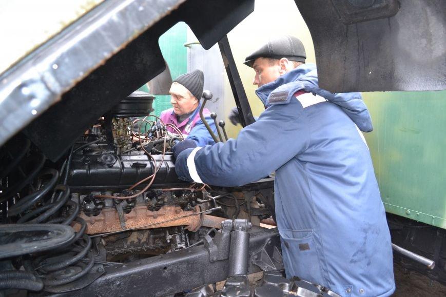 Николаевские энергетики отремонтировали автомобили для военных в АТО (ФОТО) (фото) - фото 1