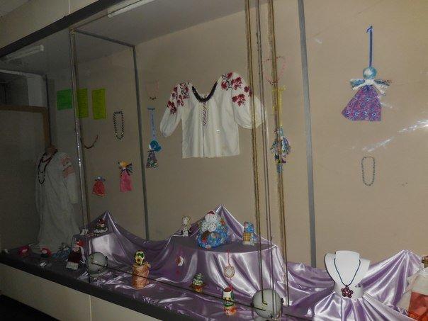 В Красноармейске открылась выставка «Тобі, чарівній» (фото) - фото 2