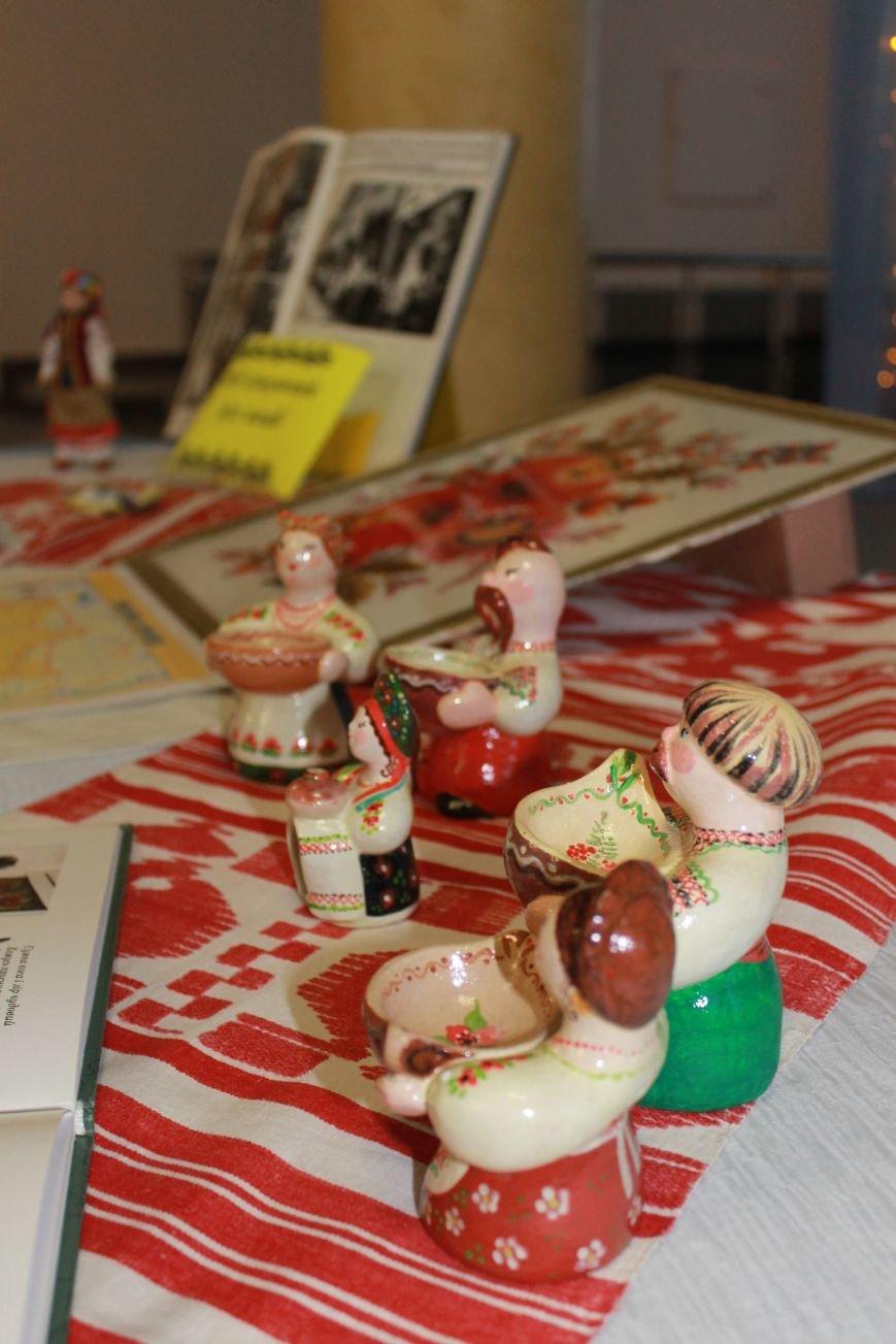 В Красноармейске прошла тематическая выставка ко Дню Соборности Украины, фото-6