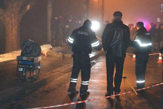 Жорстоке вбивство на вулиці Зеленій: труп чоловіка викинули з машини (ФОТО 18+) (фото) - фото 2