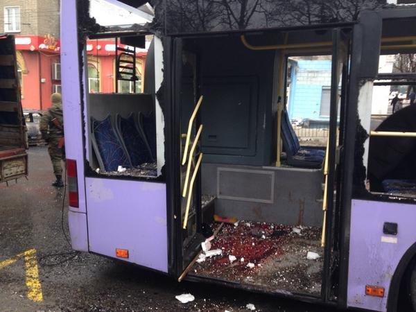 В Донецке снаряд разорвался в районе остановки на Боссе - погибли 13 мирных жителей (ФОТО, ВИДЕО) (фото) - фото 2