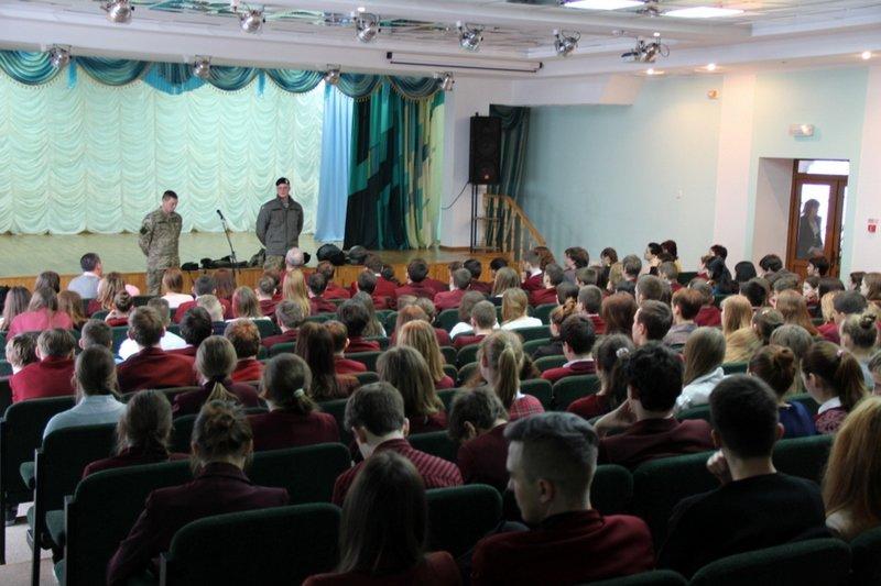 Николаевские школьники примерили снаряжение морпехов (ФОТО) (фото) - фото 2