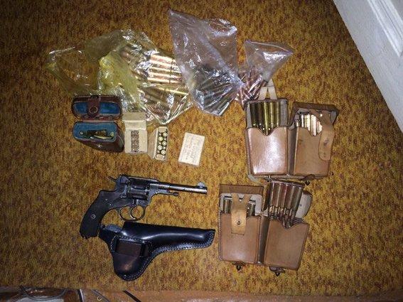 В Харькове задержали торговцев оружием, которые могут быть причастны к террористическим актам в регионе (ФОТО+ВИДЕО) (фото) - фото 3