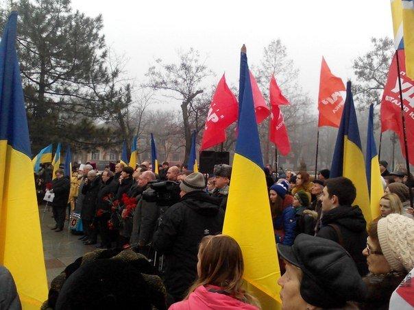 Николаевцы отметили День соборности Украины (ФОТО) (фото) - фото 2