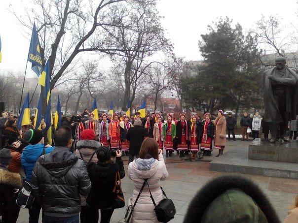 Николаевцы отметили День соборности Украины (ФОТО) (фото) - фото 4