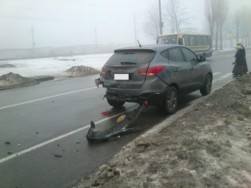 В Днепродзержинске на проспекте Юбилейном произошло серьезное ДТП (фото) - фото 2