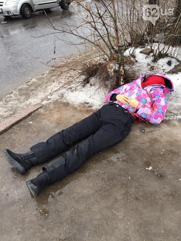 Террористы в Донецке расстреляли остановку общественного транспорта - 13 погибших (фото и видео) (фото) - фото 2