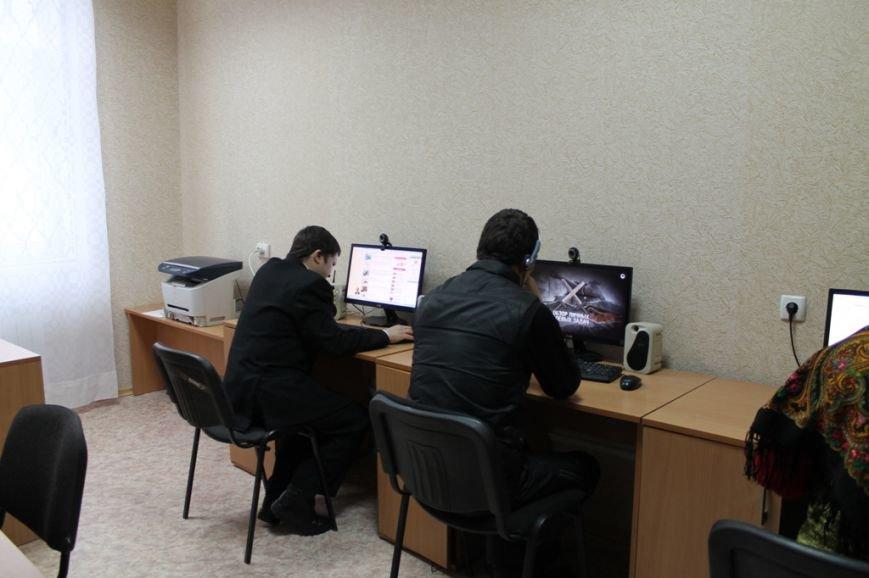 В Артемовске состоялось открытие библиотеки-филиала №2 после капитального ремонта, фото-2